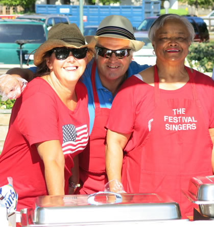 Jackie Mudd, Philip Mudd, Beverly Robinson - Hot Dog Sale - July 4, 2015 - Laguna Hills